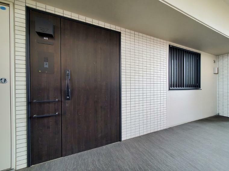 玄関 高級感のある玄関扉
