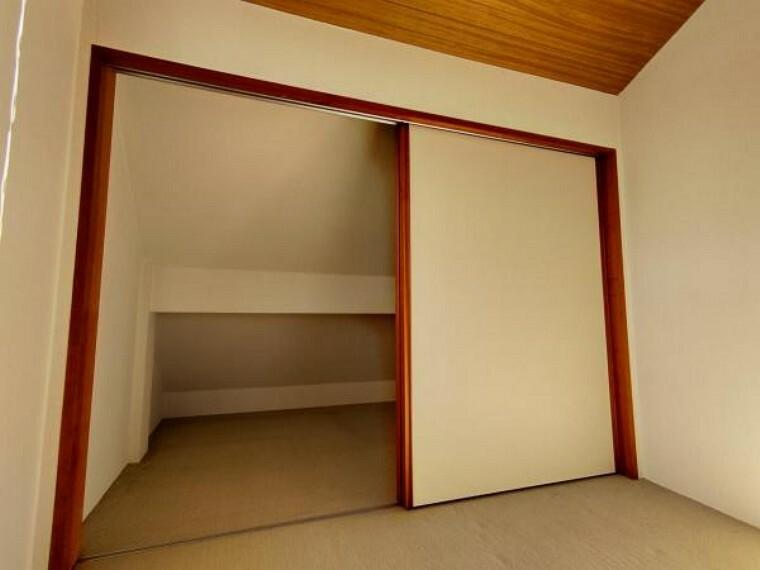 収納 【リフォーム中】2階8帖洋室についている納戸2.5帖です。