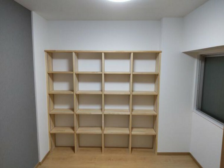 【リフォーム後写真】約3帖の和室です。リフォーム後は洋室に間取り変更致します。既存の収納スペースは解体して、壁面収納を造作致します。