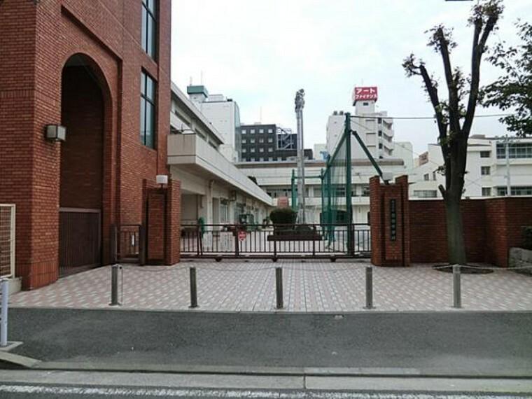 中学校 横浜吉田中学校(1027m)