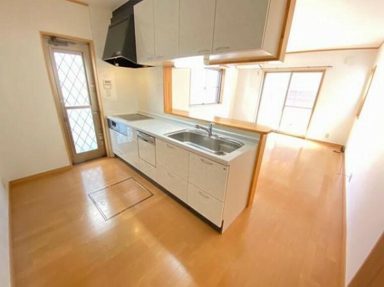 キッチン 食洗機付きのシステムキッチンです