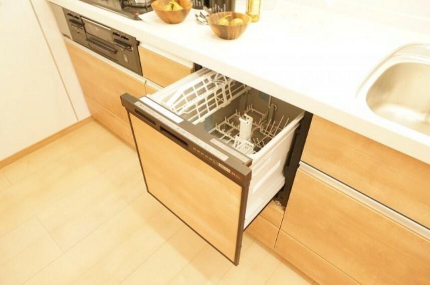 キッチン 同社施工イメージ。実際とは異なる場合がございます。