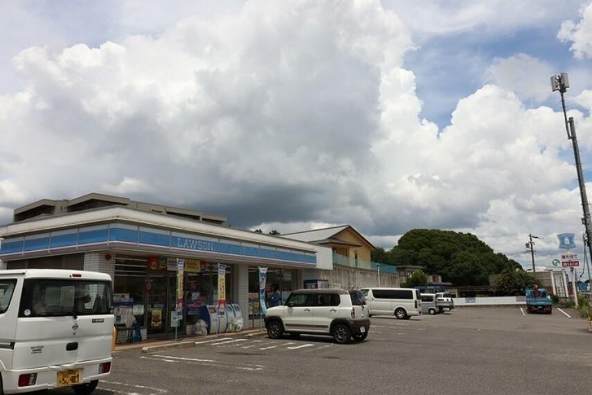 コンビニ ファミリーマート 東海名和町店