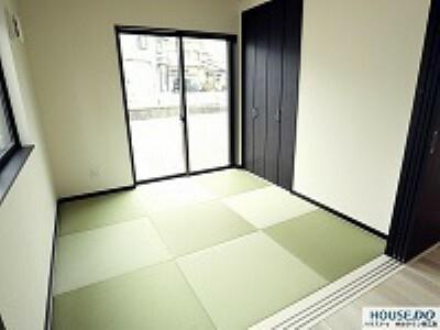 和室 リビング横の和室は来客時に便利です。
