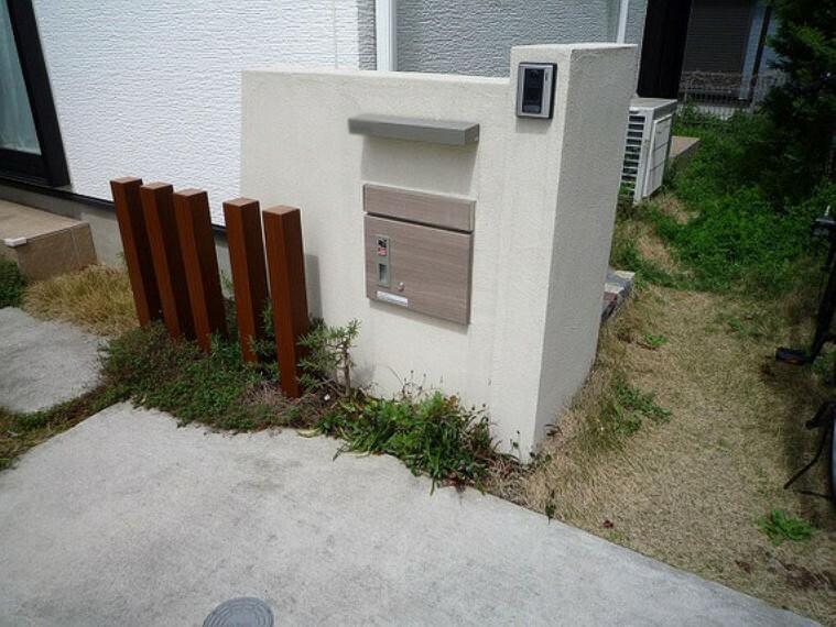 庭 宅配ボックス付きポスト