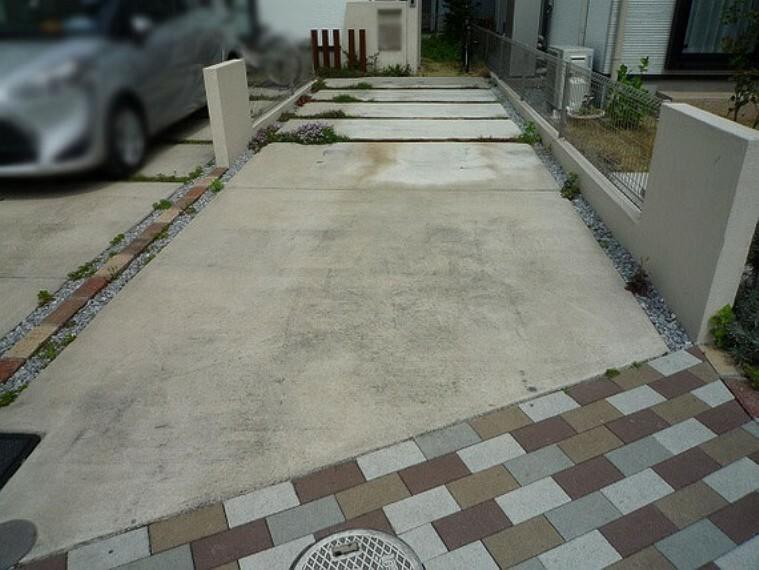 駐車場 2台駐車可能です
