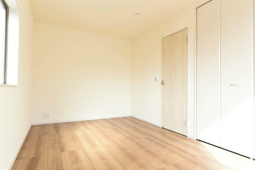 <7.5帖>全居室収納完備でお部屋を広く使用できます!