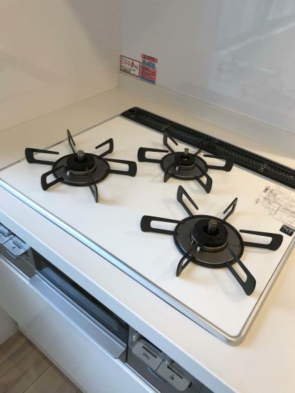 キッチン お料理好きな方にはうれしい3口コンロです!