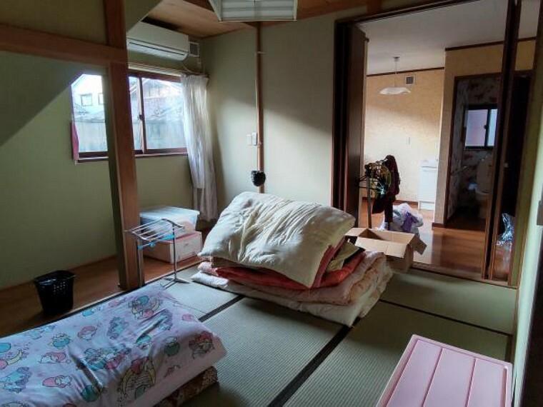 和室 1階和室、2つ目です。6.8帖。エアコン付きのお部屋です。※残置物は撤去します。