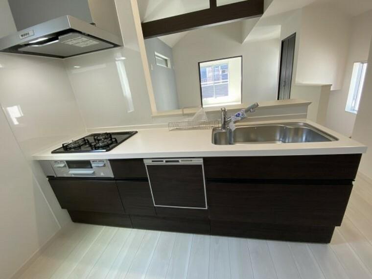 キッチン 3号棟 キッチン 食洗機付きの対面式キッチンです。