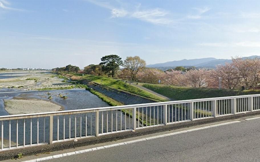酒匂川河川敷遊歩道入口
