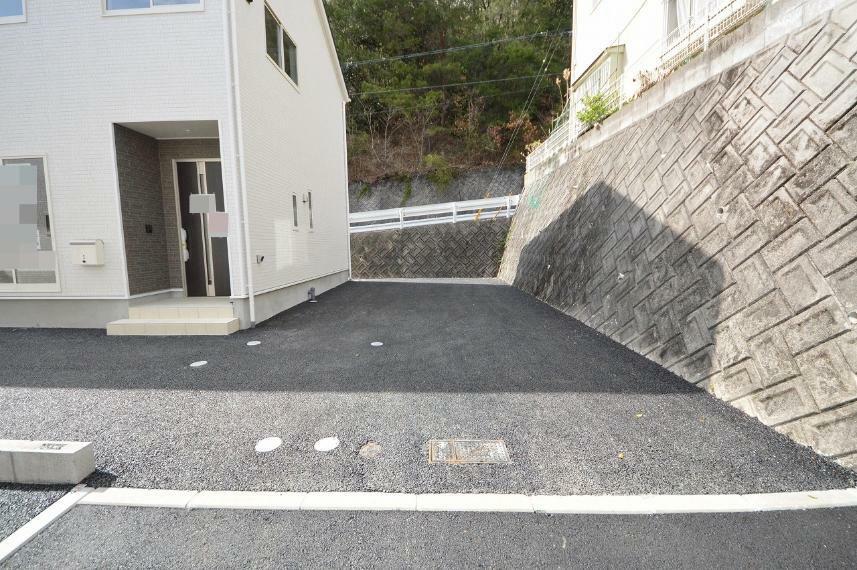 現況外観写真 カースペース3台以上駐車可能