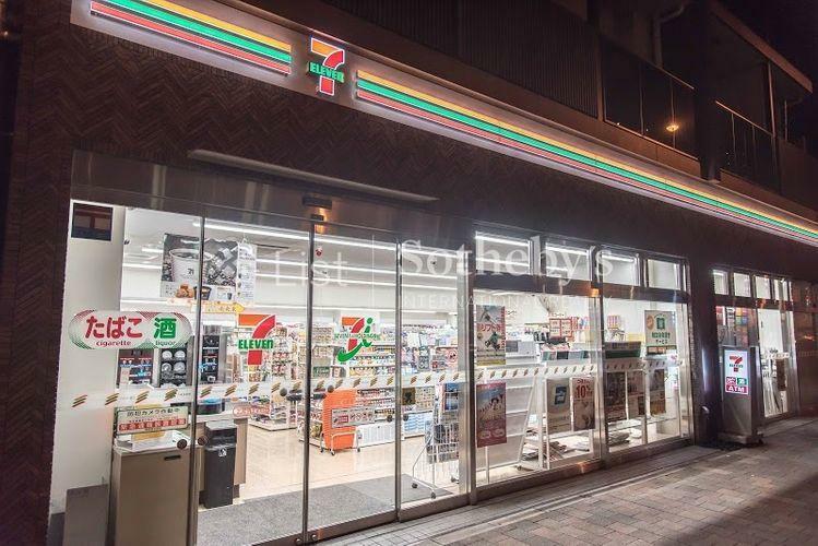 コンビニ セブンイレブン北新宿1丁目店 徒歩3分。