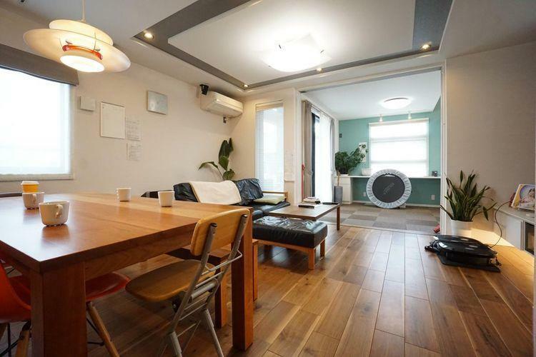 居間・リビング 家具の配置が考えやすい形状のリビングです。現在お使いの家具もすっきり配置できますね。