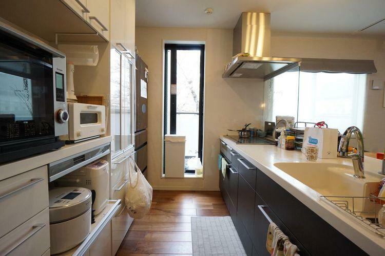 キッチン キッチンからリビングの様子が見えるので、お料理をしながらもご家族との会話が弾みます。