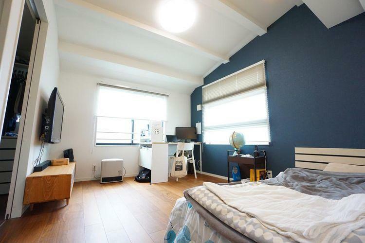 寝室 寝室には沢山の収納を確保しておりますので、季節物などもバッチリと整理整頓できますね!