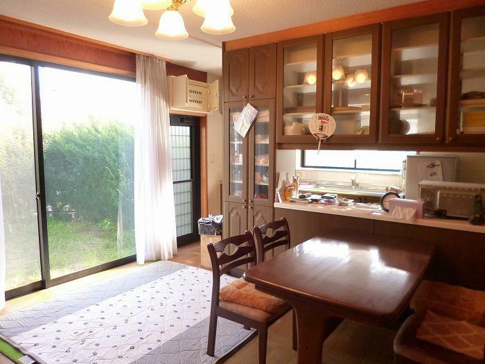 居間・リビング LDK 大きな窓があり陽当り良好です