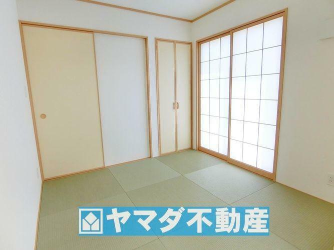和室4.5帖です。和室があると普段は家事スペースとしても利用できますね。