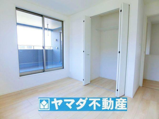 洋室5.7帖のお部屋です。間取り図2階の中央側のお部屋です。