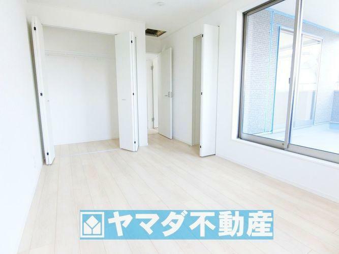 洋室7.2帖のお部屋です。間取り図2階の左側のお部屋です。