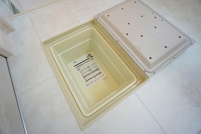 収納 洗面脱衣室にも床下収納が付いています^^