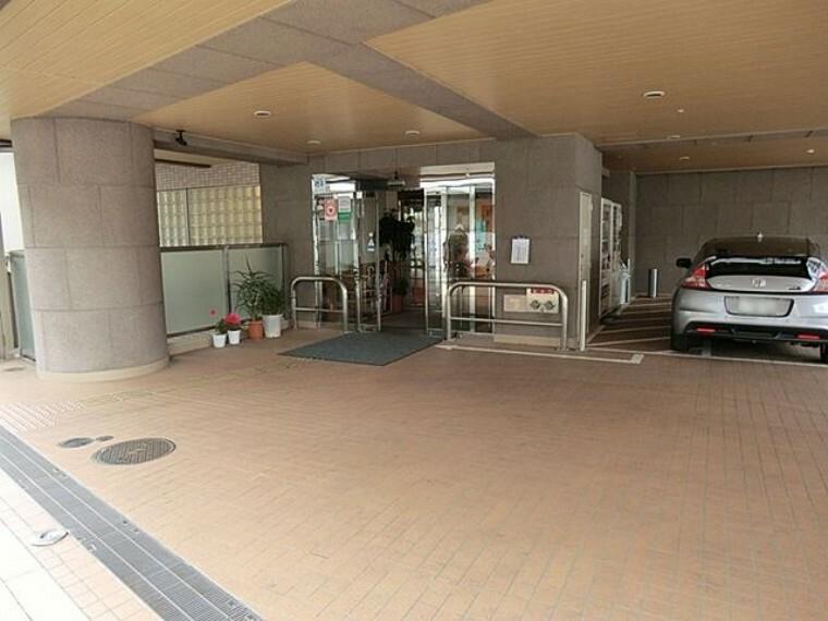 病院 慈誠会東武練馬中央病院 徒歩20分。