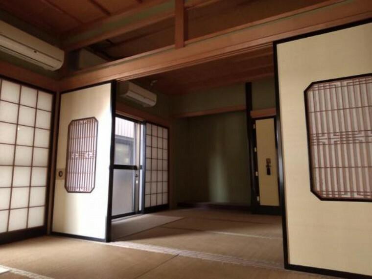 洋室 【リフォーム中】1階続き間は、7帖と6帖の洋室に間取変更予定。床フローリング張替え、クロス張替え、照明交換を予定しております。1階に寝室があるとご高齢の方も安心してお過ごしいただけます。