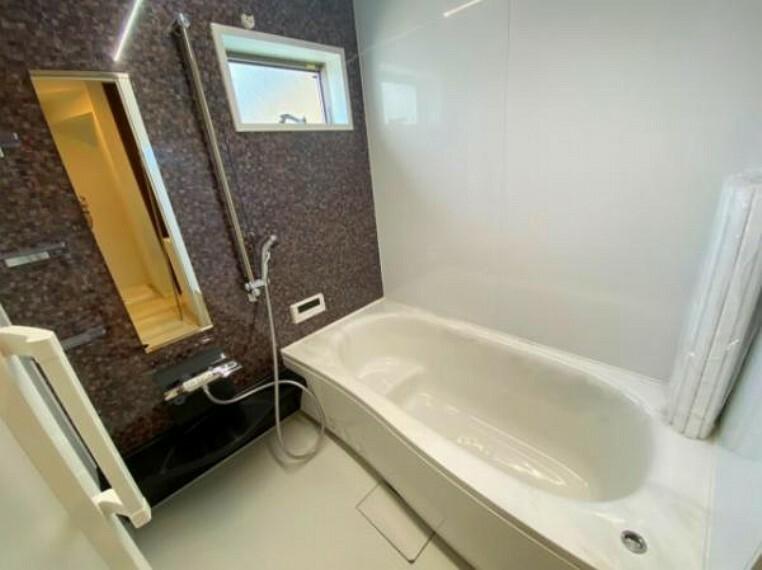 浴室 ゆったりとした浴室は日々の疲れを癒してくれます