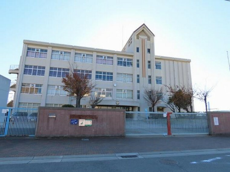 中学校 \吉田中学校/徒歩6分。
