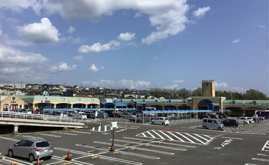 ショッピングセンター メグリア 藤岡店