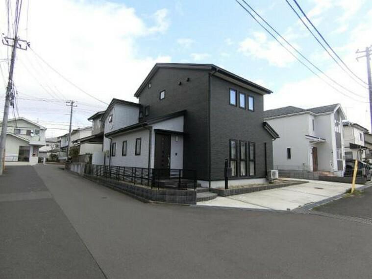 外観写真 建物外観です。平成27年10月築のお住まいです。