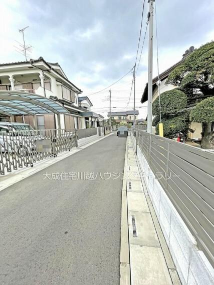 現況写真 前面道路 全3区画:現地写真2021.4.2撮影(更地)