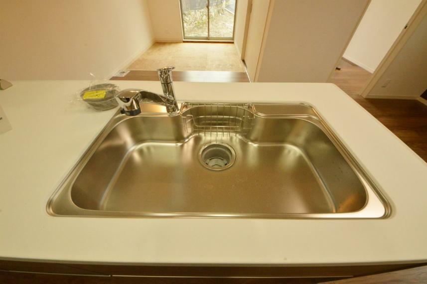 キッチン 浄水器機能付きシンク