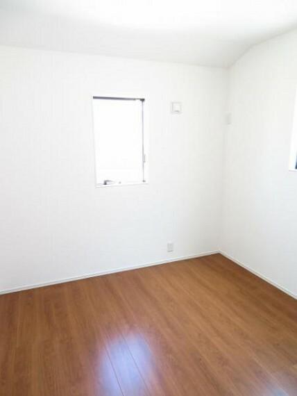 子供部屋 5.36帖の洋室はお子様のお部屋にいいですね。