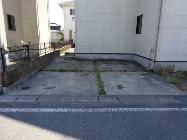駐車場 並列駐車可