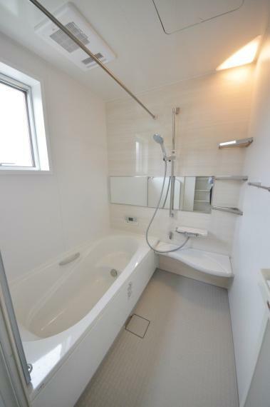 浴室 浴室乾燥機機能付き1坪タイプの浴室