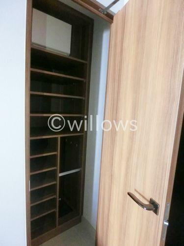 収納 玄関には大きなシューズボックスも完備。散らかりがちな玄関回りも非常にすっきり。