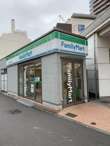 コンビニ ファミリーマート/武蔵小山パルム店 徒歩3分。