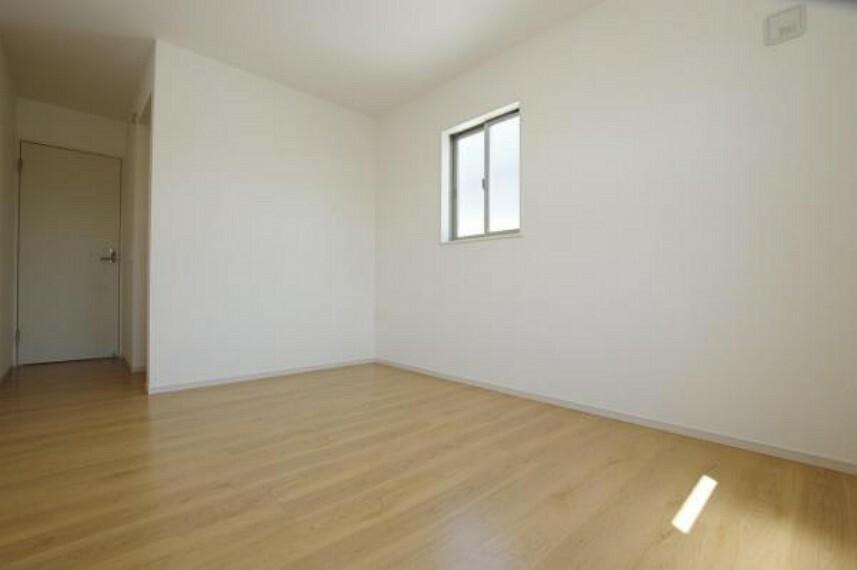 各部屋に収納スペースあります