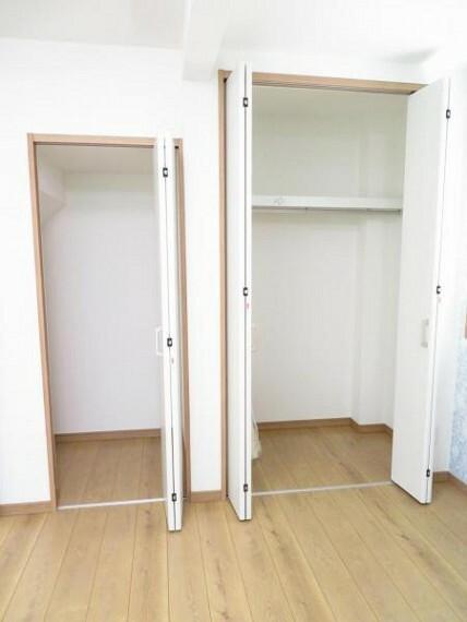 収納 階段下のスペースも収納に有効利用