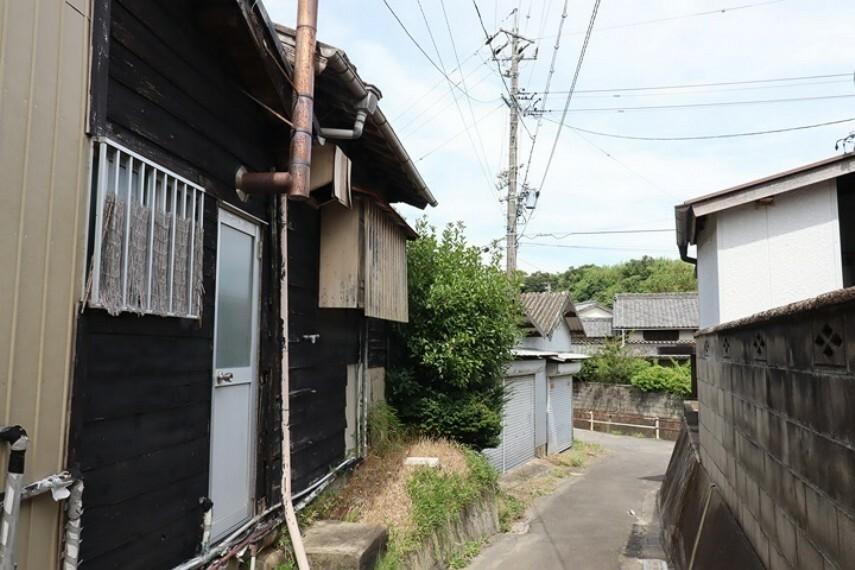 外観・現況 小鈴谷小学校  徒歩9分(約650m) 6年間通う小学校が安心な距離ですね。