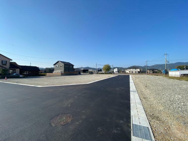 現況写真 【ル・メイユールヴィレ野田II】 分譲地内道路(4・5号地前付近)からの様子です