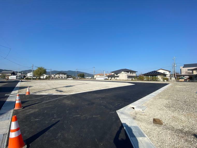 現況写真 【ル・メイユールヴィレ野田II】 分譲地内道路東側入口付近からの様子です