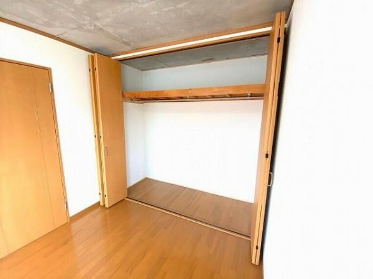 収納 たっぷり収納でき、お部屋もすっきり片付きますね