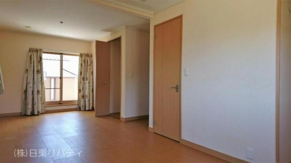子供部屋 2階の10帖の洋室は、二部屋に分けることもできます。