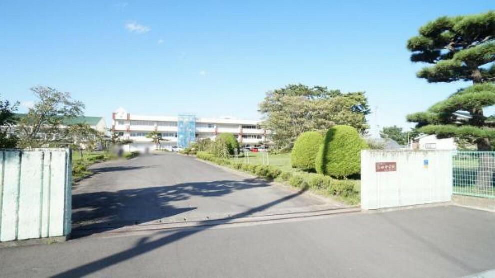 中学校 吉田中学校 徒歩3分 通学時間が短くてよいのは、安心感が高く嬉しいポイント