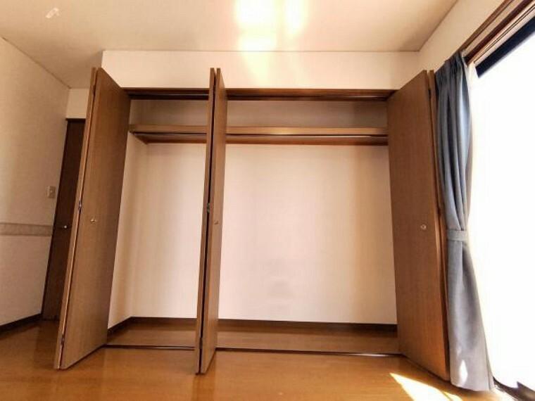 収納 【リフォーム中】2階8帖洋室のクローゼットです。お洋服や季節によって使わないものをまとめて収納できるのでいいですね。