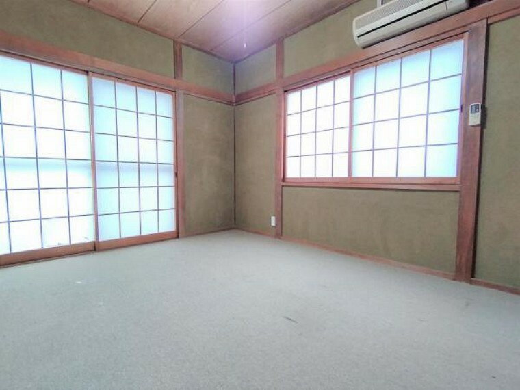 【リフォーム前】1階北側6畳の和室の写真です。洋室に変更いたします。壁はクロスを貼り替え、床も張り替えます。