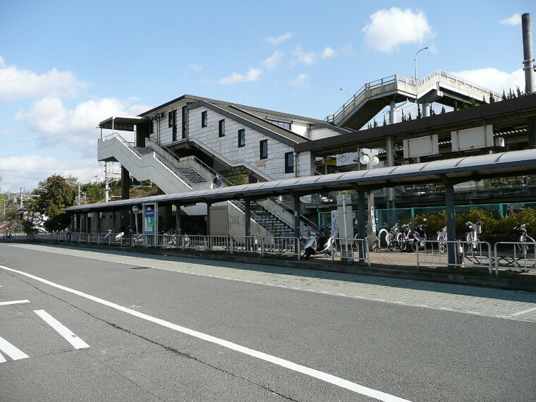 JR平城山駅まで徒歩約17分