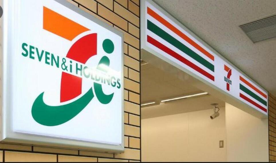 コンビニ 【コンビニエンスストア】セブンイレブン 鴻巣駅西口店まで255m